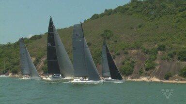 Veleiros largam para a tradicional Regata Rio-Santos - Competição entre barcos chega à sua 69ª edição.