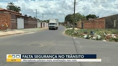 Anhanguera Móvel visita Jardim das Acácias, em Goiânia - Moradores de lá pedem sinalização e relatam insegurança ao passar pelas ruas do bairro.