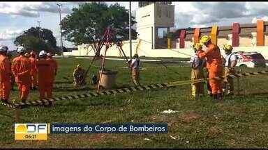 Polícia encontra corpo em Taguatinga - Bombeiros foram chamados para retirar corpo dentro de cisterna, num matagal próximo a um motel, na M Norte.