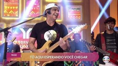 Durval Lelis canta 'Porto Seguro' - Fátima Bernardes e Maria Eduarda de Carvalho não seguram o riso com a dança de Eduardo Sterblitch