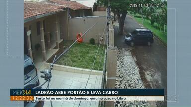 Câmera de segurança flagra ladrão roubando veículo no Conjunto Libra - Furto foi na manhã de domingo.