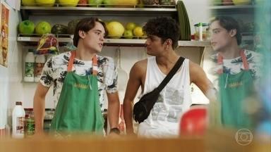 Cléber sugere que Thiago converse com Camelo - O entregador diz que o episódio no shopping foi um exemplo de racismo explícito