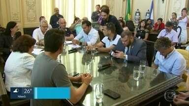 Vereadores resolvem mudar o projeto que propõe tirar da Lamsa o controle da Linha Amarela - Os vereadores do Rio colocaram emendas no projeto que tira da Lamsa o controle da via.