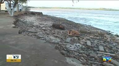 Maré causa erosão em São Luís - Maré está ocasionando a erosão de um local próximo ao Terminal da Praia Grande, na região central da capital.