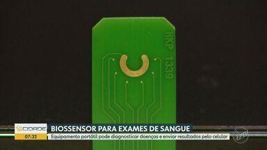 Protótipo de laboratório portátil é desenvolvido por pesquisador da Unesp de Araraquara - Equipamento foi concebido junto a um pesquisador da Universidade de Oxford. A ideia é diminuir o tempo de espera dos diagnósticos e levar a tecnologia para os consultórios médicos.