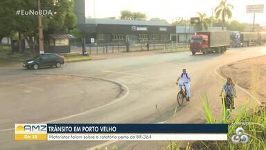 Nova rotatória está sendo construída na Avenida Rio Madeira, em Porto Velho - A falta de sinalização no local pede atenção redobrada aos motoristas, até que a obra seja concluída.