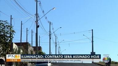 Empresa deve assumir serviço de manutenção em postes de iluminação pública - Assinatura do contrato está prevista para esta terça-feira (5).