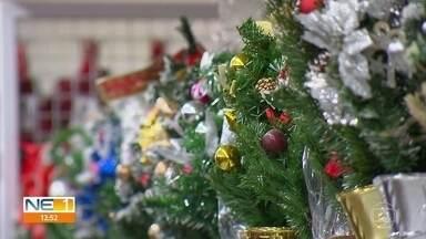 Lojas do Centro do Recife têm opções para montar árvore de natal - Preços e adereços variados são encontrados nos estabelecimentos.