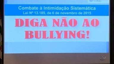 Escola de Erechim cria projeto para prevenir bullying - A ideia é que os estudantes criem estratégias para diminuir este tipo de violência.