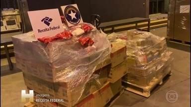 Quadrilha internacional de drogas é presa em São Paulo - A Polícia Federal prendeu nesta quarta-feira (6), em São Paulo e na Bahia, uma quadrilha internacional de drogas que enviava cocaína para a África pelo aeroporto de Guarulhos. Seis pessoas foram presas.