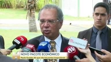 Ministro Paulo Guedes diz que novo pacote econômico não tem pontos inegociáveis - O pacote inclui três propostas de reforma da Constituição e visa facilitar cortes de gastos, além de distribuir mais recursos para estados e municípios.
