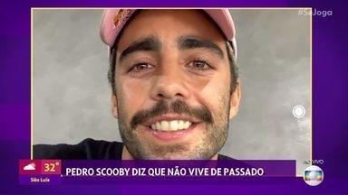 Pedro Scooby nega noivado com Cintia Dicker e diz que não rotula a relação com ela - Luana Piovani também comentou o novo romance do pai de seus filhos nas redes sociais