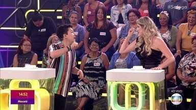 Paulo Mathias Jr e Dani Calabresa participam do 'ABC do Brasil' - Humoristas precisam responder a perguntas sobre São Paulo e Rio de Janeiro no menor tempo