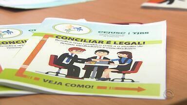 Novo serviço em Porto Alegre oferece atendimento de mediação e conciliação para idosos - Problemas como dívidas, abandono da família e briga entre vizinhas podem recorrer ao fórum da Capital.