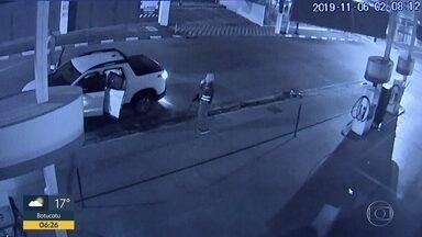 Tentativa de roubo a banco em Araçoiaba da Serra - Três homens foram presos e a polícia procura outros quatro.