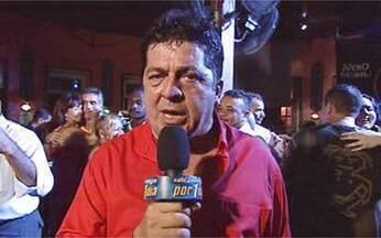 Stepan Nercessian rodopia pelos salões - O ator é repórter por um dia no Fantástico e mostra as aventuras dos dançarinos de um salão no Rio de Janeiro. O próprio Stepan vive uma história semelhante no cinema.