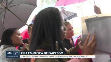 1200 pessoas fazem fila em busca de emprego - Supermercado no Recanto das Emas está oferecendo 150 vagas para vários cargos. Triagem dos interessados começou nesta quinta (7). Entrevistas devem começar na semana que vem.
