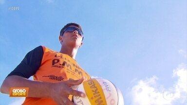 Gigante de 15 anos e 2,05m de altura chama atenção no vôlei - Gigante de 15 anos e 2,05m de altura chama atenção no vôlei