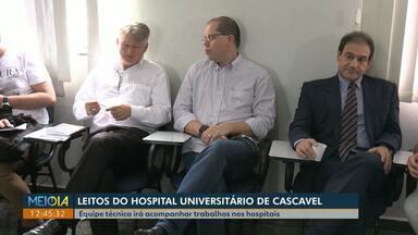 Após encontrar leitos vazios, equipe técnica vai acompanhar trabalhos no HU de Cascavel - Autoridades e representantes da área de Saúde discutiram soluções para os atendimentos no hospital, que é referência na região Oeste do Paraná.