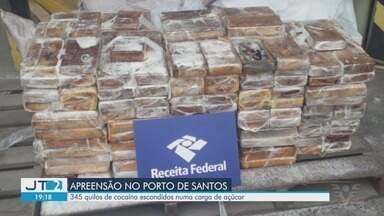 Receita Federal localiza mais de 340 kg de cocaína no Porto de Santos - Drogas foram localizadas em meio a um carregamento com destino ao porto de Tema em Gana, no continente africano, e seriam transferidas para portos europeus.