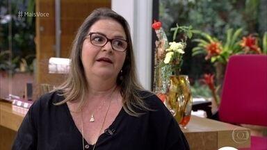 Ana Maria recebe Simone na Casa de Cristal - Convidados chegam para o jantar tropical. Simone conta para Ana Maria por que tem problemas com banana