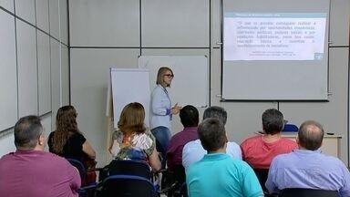 Prefeitos da região se encontram para discutir melhorias nos municípios - Os prefeitos e representantes das prefeituras de cidades da região noroeste paulista se reuniram na manhã desta sexta-feira para discutir melhorias nos municípios.