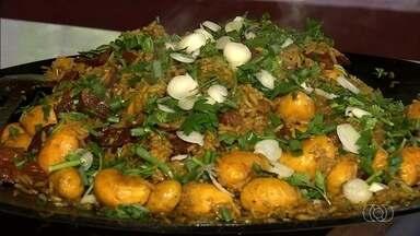 Moradores comemoram colheita do pequi com festival cultural, em Crixás - O festival gastronômico teve tapioca, galinhada e crepe de pequi. Evento reuniu 40 mil pessoas em cinco dias de festa.