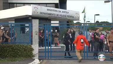 Boletim JN: Justiça concede alvará de soltura para o ex-presidente Lula - A decisão é consequência do entendimento firmado na quinta (7) pelo Supremo, de que condenados só podem cumprir pena após o esgotamento de todos os recursos. Lula está preso desde abril de 2018, na carceragem da Polícia Federal, em Curitiba.