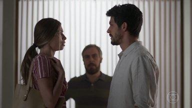 Marcos revela que está se apaixonando por Paloma - Paloma duvida dos sentimentos de Marcos