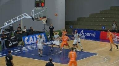Bauru Basket perde para o São José pelo NBB - Jogando em casa, no Panela de Pressão, time bauruense foi derrotado após duas prorrogações e sofreu sua quarta derrota em cinco jogos pelo nacional de basquete.