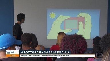 Alunos aprendem fotografia em Escola Estadual, na Zona Sul - Projeto ainda ensina cidadania e desenvolvimento sustentável