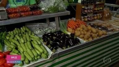Aumento do consumo de alimentos orgânicos faz os preços ficarem mais acessíveis - Cauê Fabiano vai a uma feira especializada em orgânicos e comprova que os preços dos alimentos já não é mais tão diferente dos cultivados com agrotóxicos