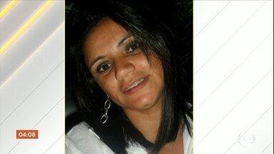 Mulher é morta pelo ex-marido no DF - Uma mulher foi morta pelo ex-marido no caminho de volta da delegacia.