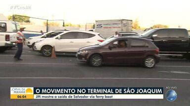 Confira o movimento Terminal de São Joaquim em Salvador para embarcar de carro no ferry - A fila chegou na Calçada, e teve quem passou a noite esperando para atravessar.