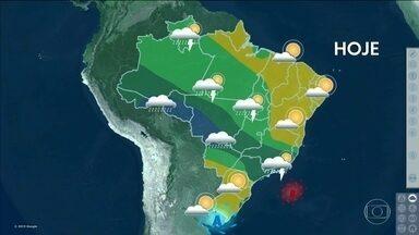 Chove no Rio de Janeiro durante o feriado e tempo fica firme no Sul do Brasil - Tempo firme no Sul e no Nordeste.
