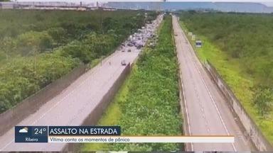 Vítima conta momentos de pânico durante assalto em rodovia de SP - A Polícia Militar Rodoviária abordou os criminosos em pelo menos três casos de assalto nas rodovias.