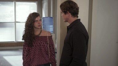 Rita se recusa a se aliar a Rui - Ela pede que o pai biológico de seu filho siga seu caminho sozinho