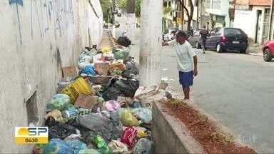 BDSP faz blitz em pontos viciados de lixo nas zona sul e leste da capital - Flagramos um morador jogando lixo na rua Samuel Arnold, em Cidade Ademar. Equipe também passou pela região da Av. Presidente Wilson.