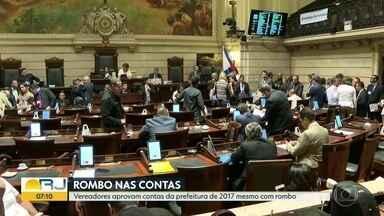 Vereadores aprovam contas da prefeitura do Rio de 2017 - TCM apontou rombo de R$ 2 bilhões e aprovou contas com ressalvas.