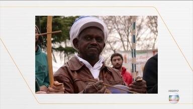 Homem é condenado a 22 anos de prisão por morte de Moa do Katendê - Crime aconteceu em Salvador, em outubro de 2018, após uma discussão sobre política. Moa do Katendê foi morto com 13 facadas pelas costas em um bar.