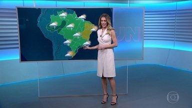 Previsão do tempo com Jacqueline Brazil - Chuva na maior parte do Brasil. Temperaturas caem em São Paulo e Rio.