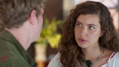 Rita afirma a Filipe que precisa ir à inauguração do bar de Rui - Filipe diz que não vai acompanhar a namorada ao show de Raíssa