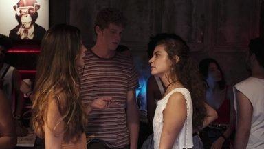 Filipe afirma que encontrou Leila por acaso - Rita diz a Filipe que Leila é sonsa