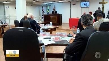 Câmara protocola na Prefeitura relatório parcial de CPI da Cultura - Documento sugere o afastamento do secretário Fábio Nougueira.