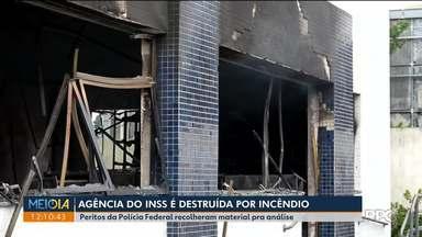 Agência do INSS é destruída por incêndio - Perícias estão sendo feitas para investigas as causas do incêndio na Agência de Campina Grande do Sul.