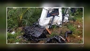 Acidente de trânsito deixa uma pessoa morta em Espumoso - Homem era motorista de um caminhão que bateu de frente com outro na ERS-332.