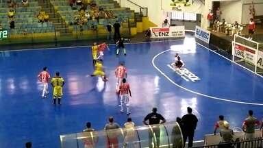 Assoeva vence e garante vaga para as semifinal da CopaRS de futsal - Equipe de Venâncio Aires bateu o Sercesa, de Carazinho, por 4 a 1, e agora enfrenta o BGF, de Bento Gonçalves.