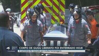 Corpo do apresentador Gugu Liberato é enterrado em São Paulo - Cerimônia foi marcada por muitas homenagens. Milhares de fãs se juntaram à família.