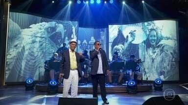 """Zeca Pagodinho e Monarco cantam """"Coração Em Desalinho"""" - Monarco conta como entregou a canção para Zeca gravar e revela que seu primeiro sucesso foi com o sambista Ratinho"""