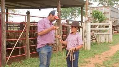 Criançada mostra paixão pelas coisas do campo - Para algumas crianças, nem eletrônicos atraem tanto quando a vida rural.